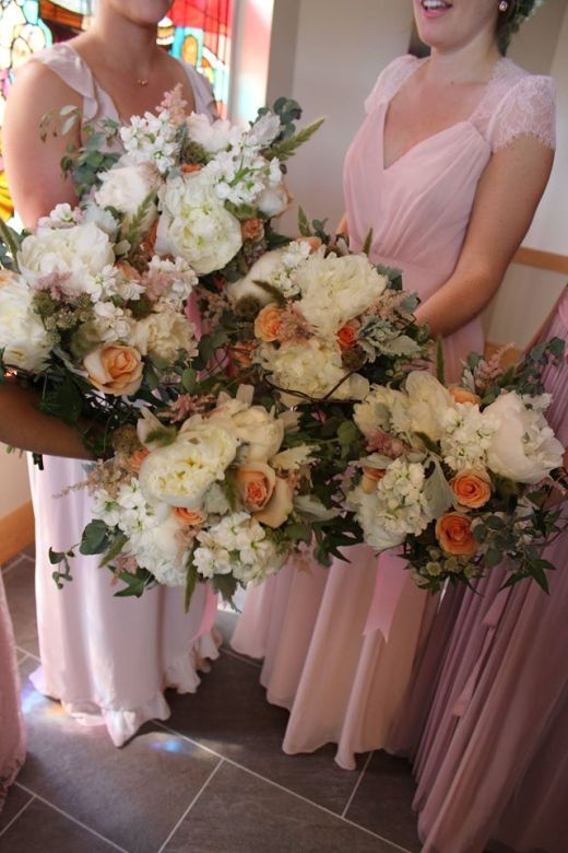 bridesmaids_bouquets